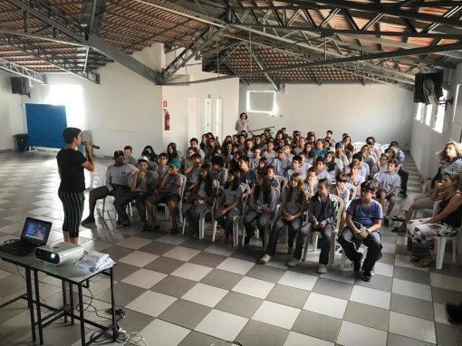 foto de alunos da escola Nai